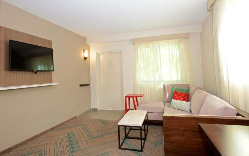 Residence Inn Miami Coconut Grove Photo