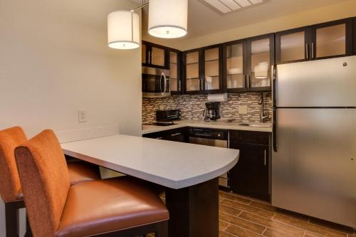 Staybridge Suites Atlanta Airport Photo