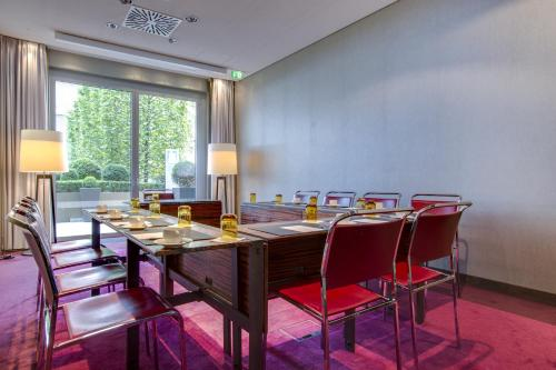 Radisson Blu Media Harbour Hotel, Dusseldorf, Germany, picture 6