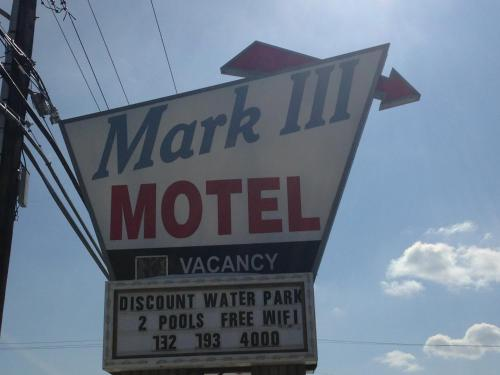 Mark III Motel and Apartments Photo