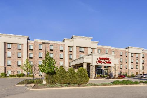 Hampton Inn & Suites West Bend Photo