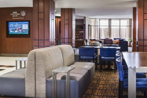 Courtyard by Marriott Columbia Photo