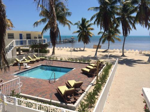 Seashell Beach Resort Photo