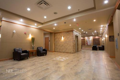 Days Inn & Suites Edmonton Airport Photo