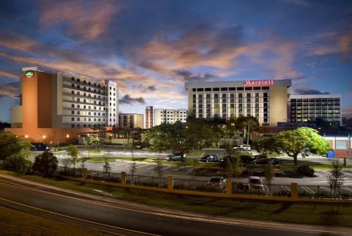 Courtyard by Marriott Miami Airport - Miami, FL 33126