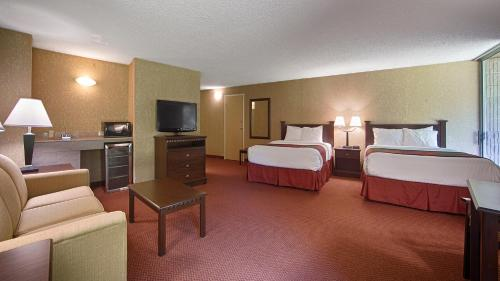 Best Western Branson Inn Next to Silver Dollar City Photo