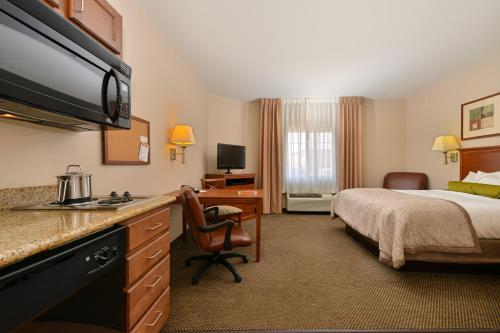 Candlewood Suites Gillette Photo