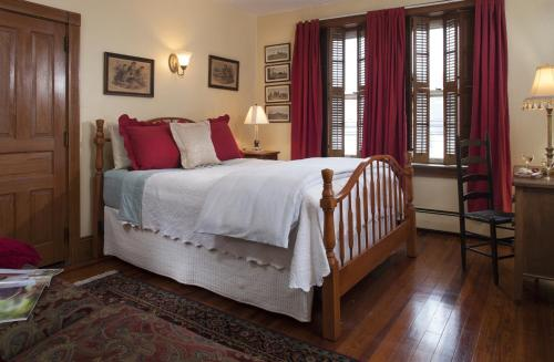 Picture of Harvest Moon Bed & Breakfast