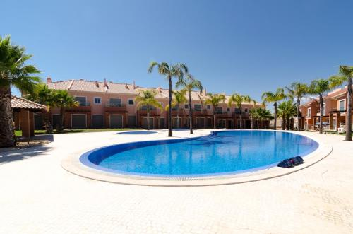 holidays algarve vacations Albufeira Family Villa in Private Condominium