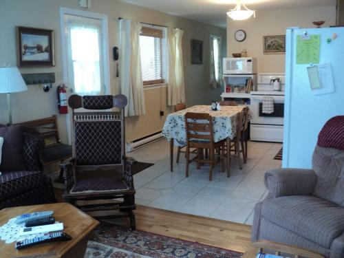 Tides and Time Vacation House Photo