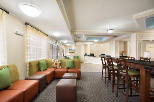 Baymont Inn & Suites Odessa Photo
