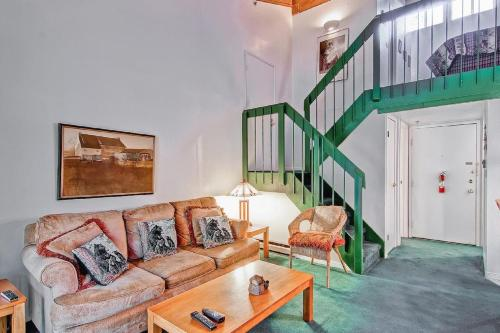 Yosemite Large Loft Condominium Photo