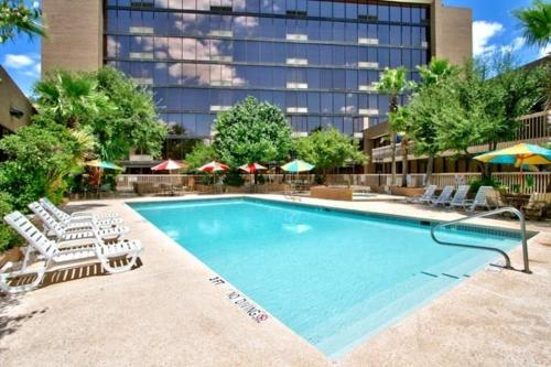 Mcm Elegante Hotel And Conference Center - Odessa, TX 79762