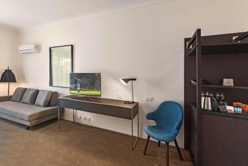 Quality Hotel CKS Sydney Airport photo 7