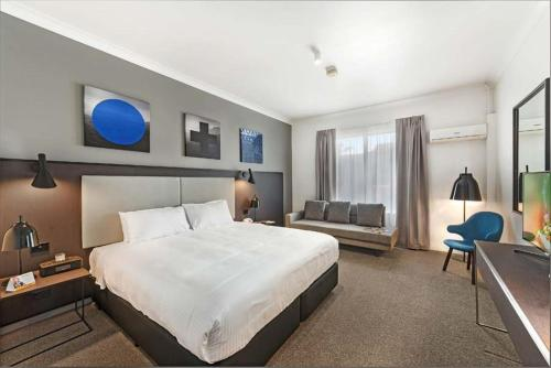 Quality Hotel CKS Sydney Airport photo 17