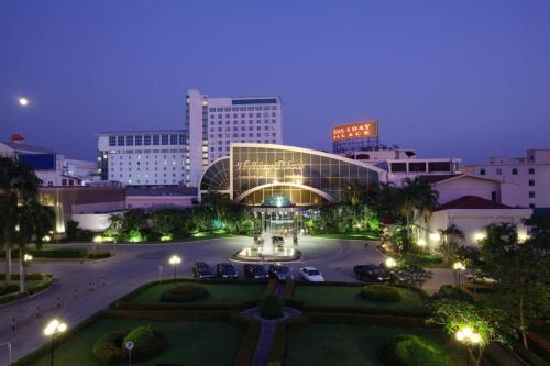 Holiday Palace Casino & Resort