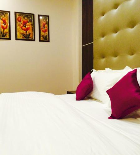 http://www.booking.com/hotel/in/grand-harshal.html?aid=1728672