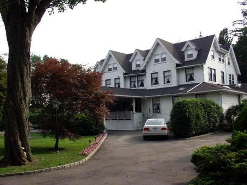 Hotels In Port Chester Last Minute Hotel Deals Triphobo