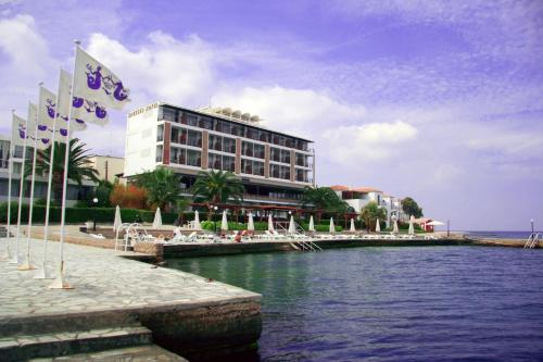Spetses Hotel - Main Street Greece