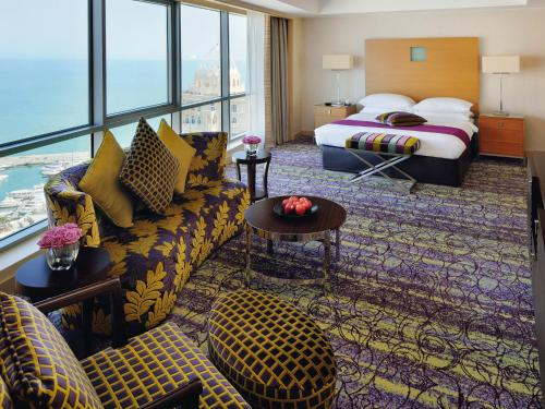 Movenpick Hotel West Bay Doha, Доха