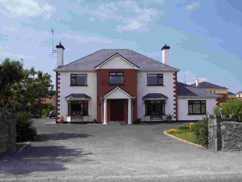 Claddagh Moon Bed & Breakfast