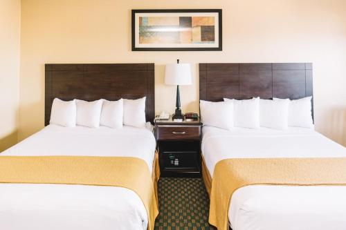 Quality Inn & Suites - Seattle, WA 98109