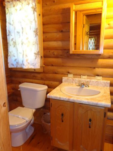 Cajun Cedar Log Cottages Photo
