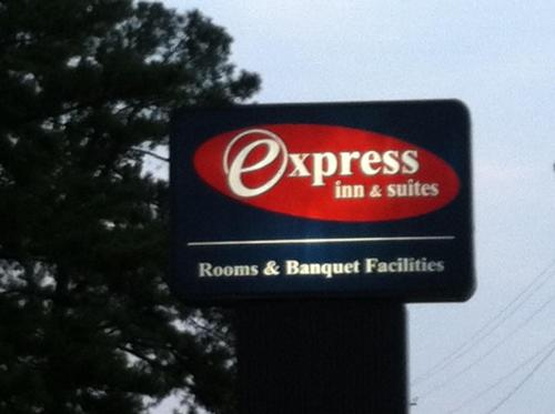 Express Inn & Suites - Griffin
