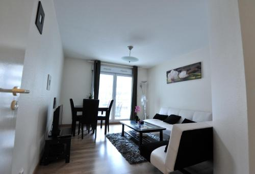 Гостиница «APPARTEMENT ANGEL??S HOME STRASBOURG CENTRE GARE», Страсбург