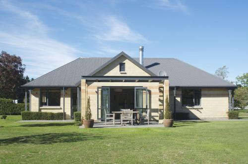 The Villa - Christchurch Holiday Homes