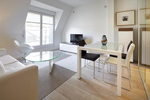 Easo Suite 5 Apartment by FeelFree Rentals - фото 0