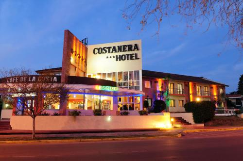 Costanera Hotel Photo