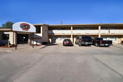 Budget Inn & Suites Guymon Photo