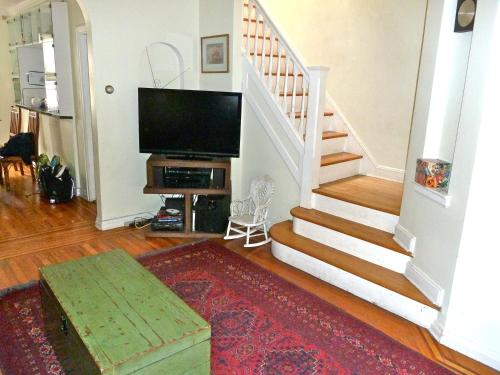 Astoria Queens Town House Photo