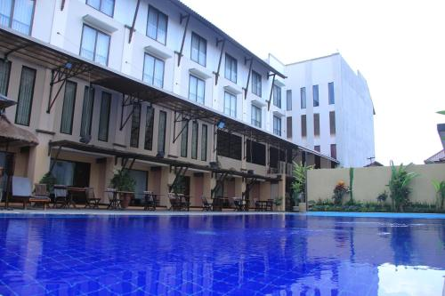 The Grand Santhi Hotel - denpasar -