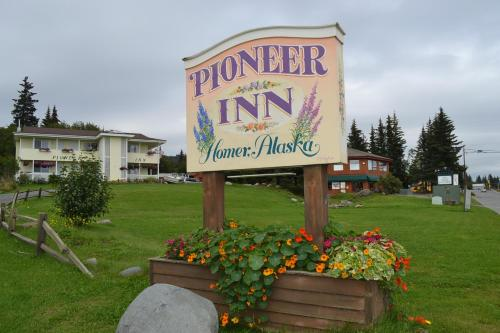 Pioneer Inn Guesthouse Photo