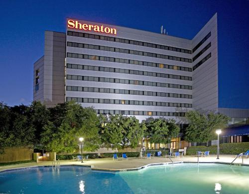 Sheraton North Houston at George Bush Intercontinental Photo