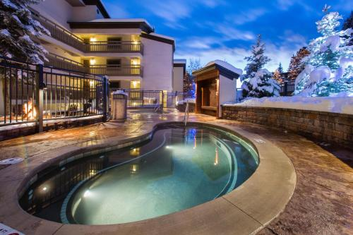 Dulany at the gondola by wyndham vacation rentals in for Cabin rentals near steamboat springs