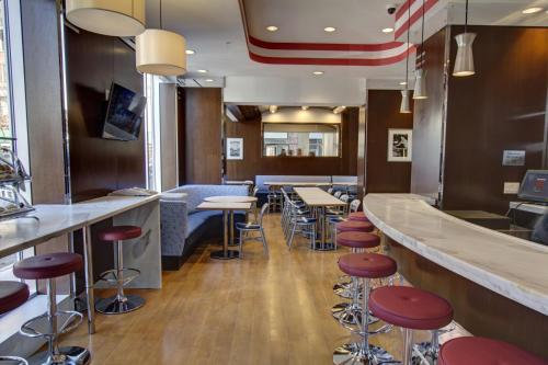 Fairfield Inn by Marriott New York Manhattan/Financial District Photo