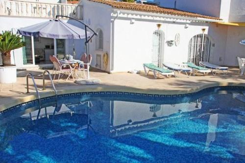 Apartment with views, pool in Moraira, Морайра