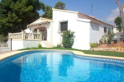 Apartment with terrace, mountain views, in Moraira, Paratella
