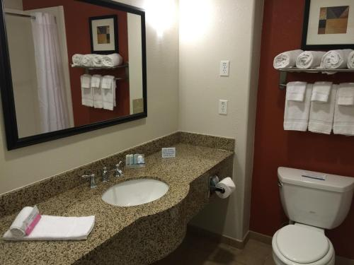 Sleep Inn & Suites Lawton Photo