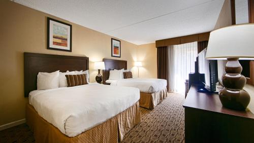 Clarion Hotel Conference Center - South - Lexington, KY 40509