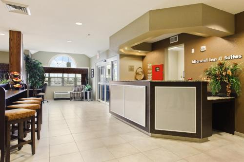 Microtel Inn & Suites by Wyndham Williston Photo