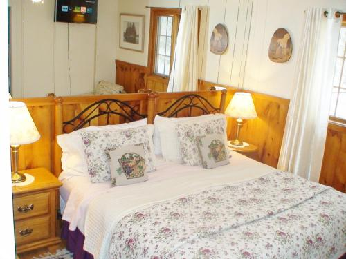 Country Charm Bed and Breakfast Photo