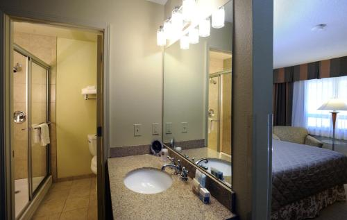 Best Western Plus Clocktower Inn – 68458