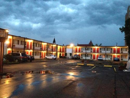 Imperial Motel Cortland Photo