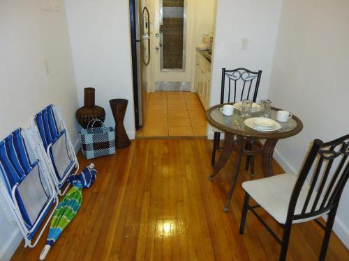 Two-Bedroom Apartment On Lincoln Mall