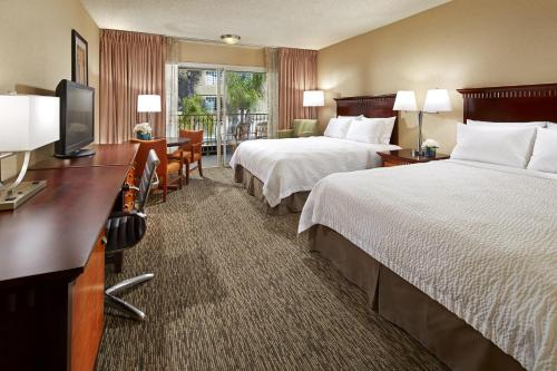 Portofino Inn and Suites Anaheim Hotel Photo