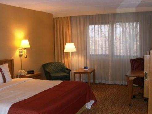 Holiday Inn Evansville Airport - Evansville, IN 47725